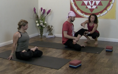 Padmasana – How to protect your knee in Lotus