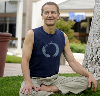 David Kuttruff, Shraddhaa School of Yoga